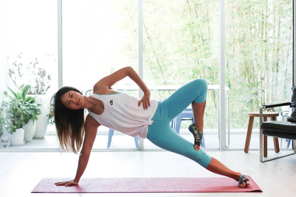 Bianca Cheah, side plank