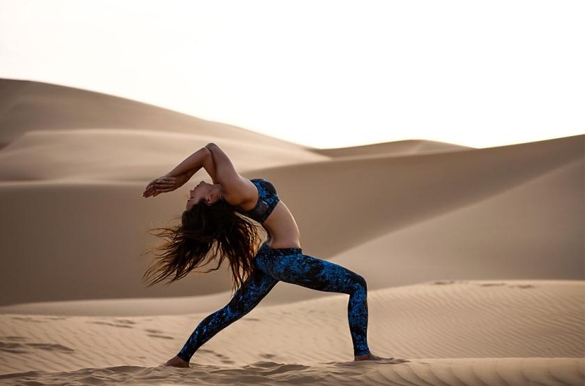 Bianca Cheah, Bandier Fit, UAE, Qasr Al Sarab, desert, sand dunes, tone it up