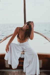 Wellness influencer Bianca Cheah in Positano